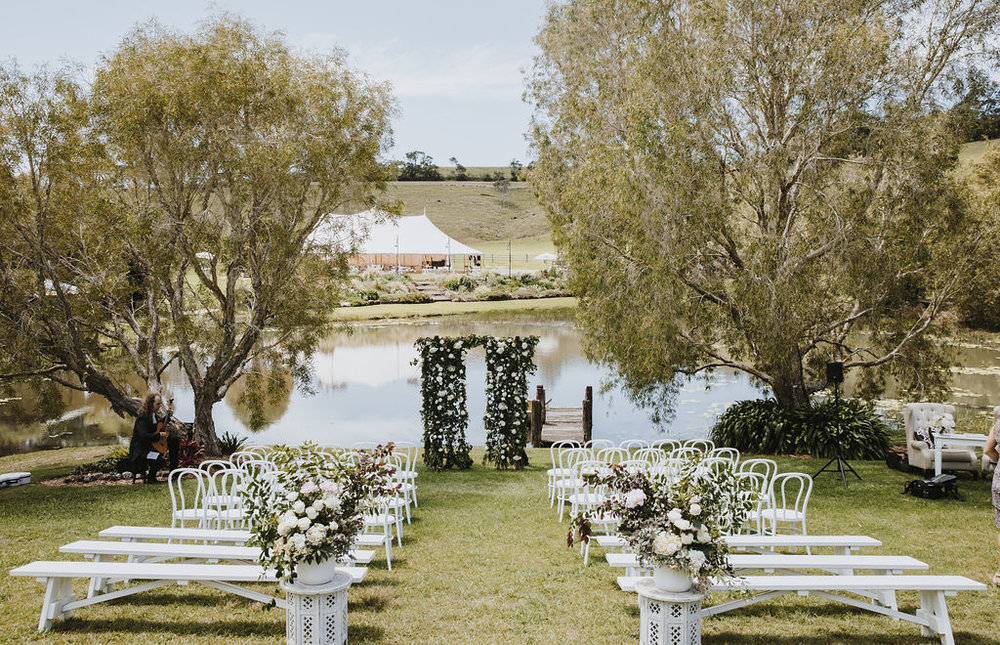 Venue - Forget Me Not | Florals - Beautiflora | Photo - Amelia Fullarton