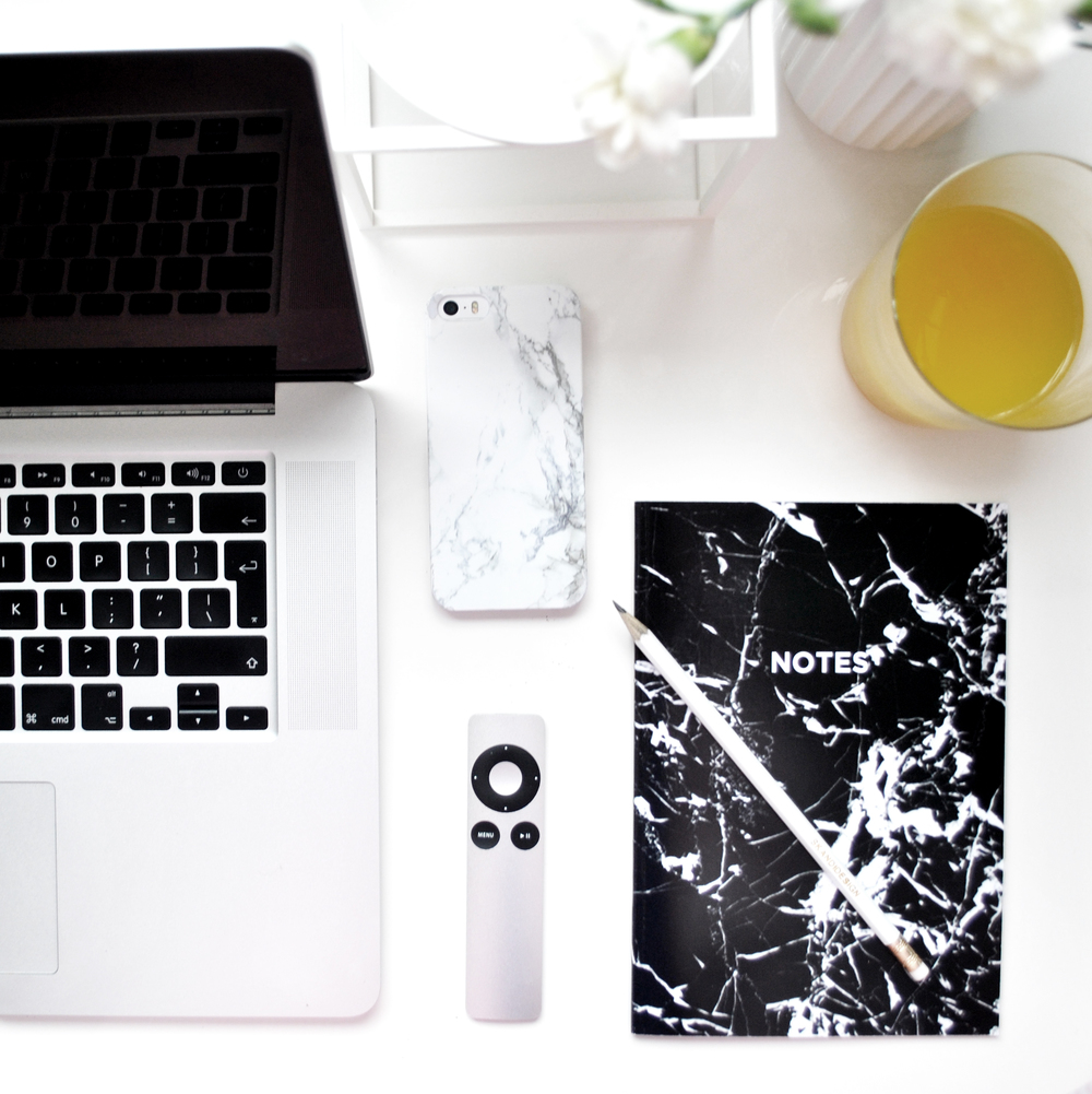 Skandidesign_black marble notebook.jpg