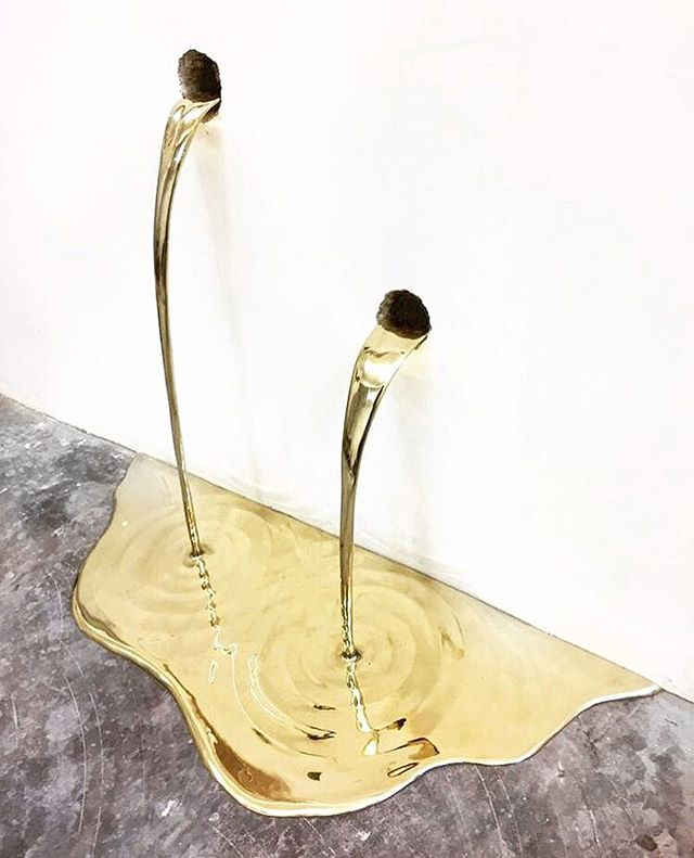 Vanderlei Lopes ⚡️⚡️⚡️ . . . #vanderleilopes #art #installationart #inspiration #design #gold #contemporaryart #goldleaking #impressionism #thursdaymotivation
