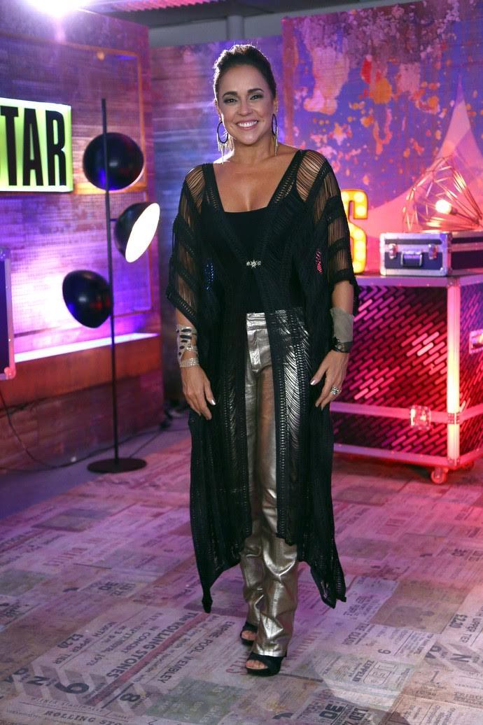 Daniela Mercury usa Kimono Amabilis