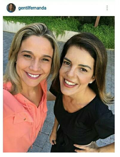 Fernanda Gentil postou uma foto em seu instagram usando blusa Amabilis