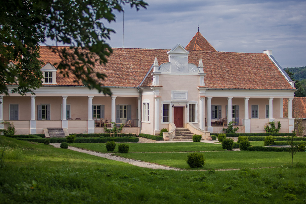 Apafi Manor