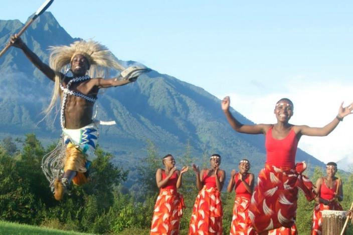 dancing rwanda2.jpg