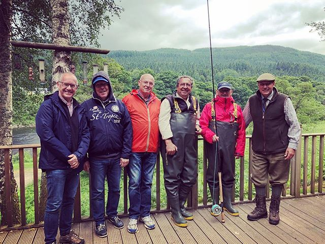Fantastic day with this group from France, first time they had ever been salmon fishing. Unfortunately no fish caught but a great day had by all. 🎣 🎣 🎣 🎣 🎣 #salmon #salmonfishing #dalmarnockfishings #salmonfishingscotland #salmonfishingholidaysscotland #fishingguide #tayghillie #fishpal #troutandsalmon #dunkeld #corporatechallenge #corporateevents #corporatedays #gleneagles #flyfishingjunkie #flyfishing #flyfishingnation
