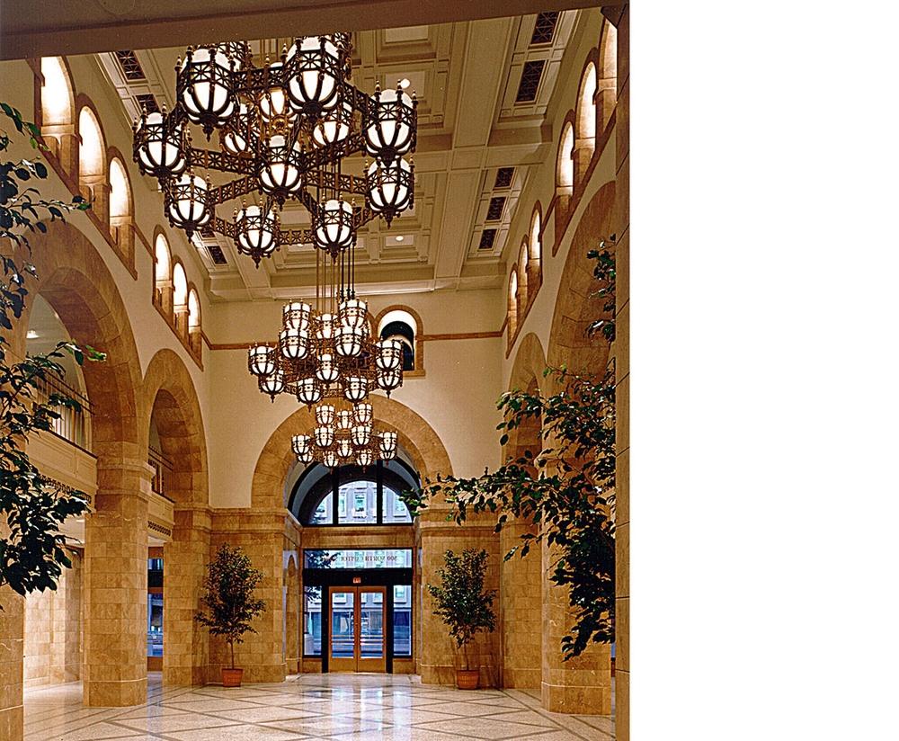 800-n-capitol-lobby.jpg