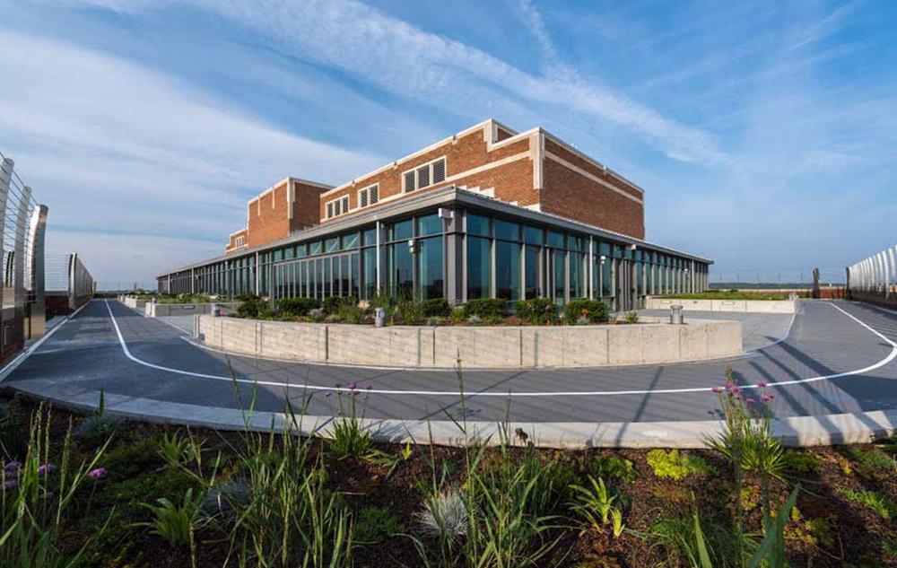 15_0723_munger-graduate-residences-opens-at-university-of-michigan-roof-orig.jpg