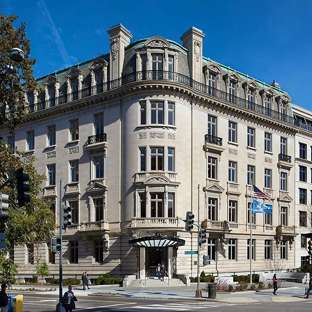 The American Enterprise Institute has found their new home at 1789 Massachusetts Avenue which was originally the McCormick Apartments, constructed in 1916. The restoration and renovation project included new MEP systems, elevators, and exterior rehabilitation. Much of the building is protected by the National Trust of Historic Preservation perpetual historic easement. The three street facades and much of the interior spaces were left largely intact, retained, or rehabilitated. ⠀ Completed in 2016.⠀ 📷:Hoachlander Davis Photography⠀ #historicpreservation #architecture #washingtondc