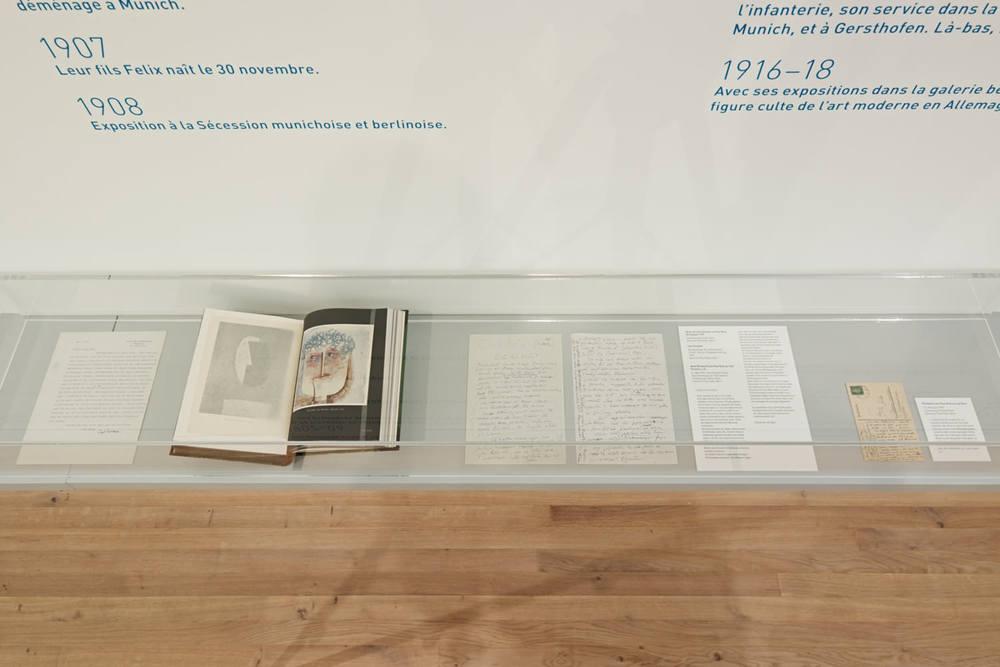 Abb. 5: Carl Einstein, Die Kunst des 20. Jahrhunderts, Berlin 1926 (Schenkung Familie Klee, Zentrum Paul Klee, Bern) u.a.