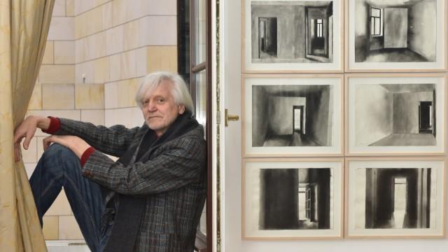 Leicht wirken die Schwarzaquarelle, die in einem Licht- und Schattenspiel die Räume von Pauls Klees Wohnung in der Ainmillerstraße rekonstruieren.  (Foto:Catherina Hess)