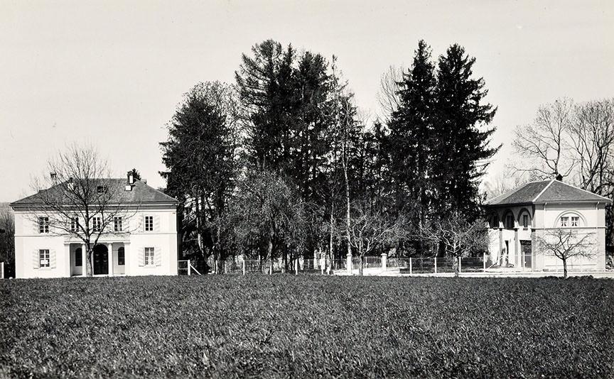 Abb. 11  Das ehemalige Zollhaus (rechts), Faoug (VS) am Murtensee , c.a. 1939, Postkarte, Zentrum Paul Klee, Bern, Schenkung Familie Klee © Zentrum Paul Klee, Bern, Bildarchiv