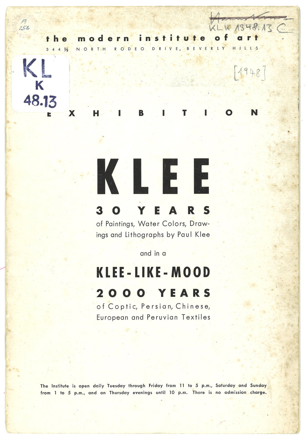 Abb. 2 Klee. 30 Years of Paintings, Water Colors, Drawings and Lithographs - and in a Klee-like-mood 2000 Years of Coptic, Persian, Chinese, European and Peruvian Textiles. The Modern Institute of Art, Beverly Hills, 3.9.-6.10.1948, Umschlag. © Zentrum Paul Klee, Bern, Archiv