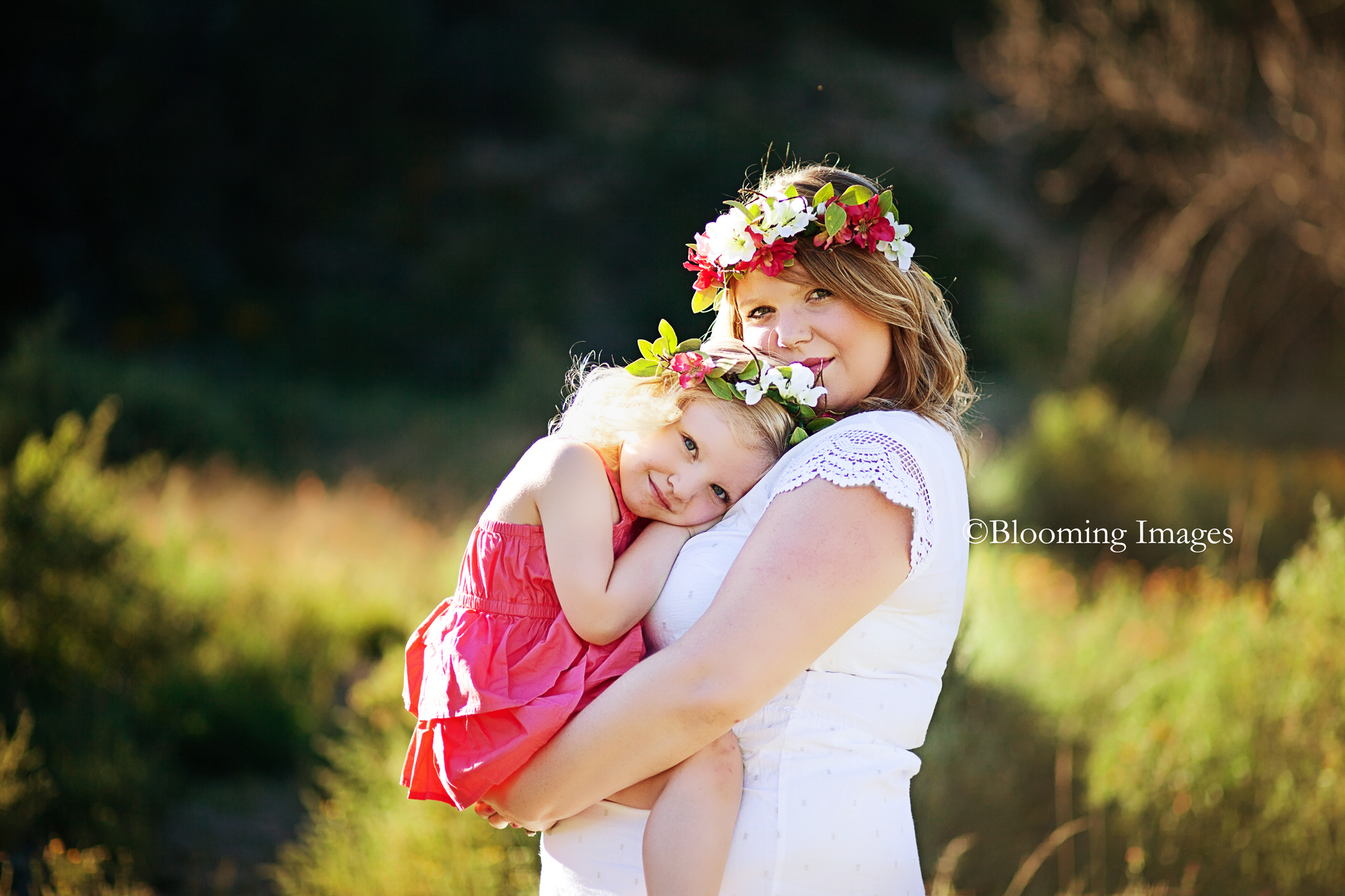 Tijeras Meternity Photographers, Albuquerque Maternity Photographers, Taos Maternity Photographers, Santa Fe Maternity Photographers, Flower headpiece maternity photos