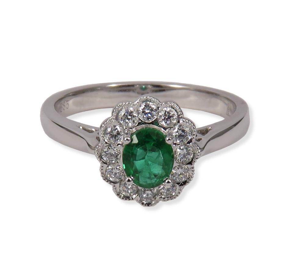 Emerald ring with diamonds in white gold. Empire Corporation 102342W