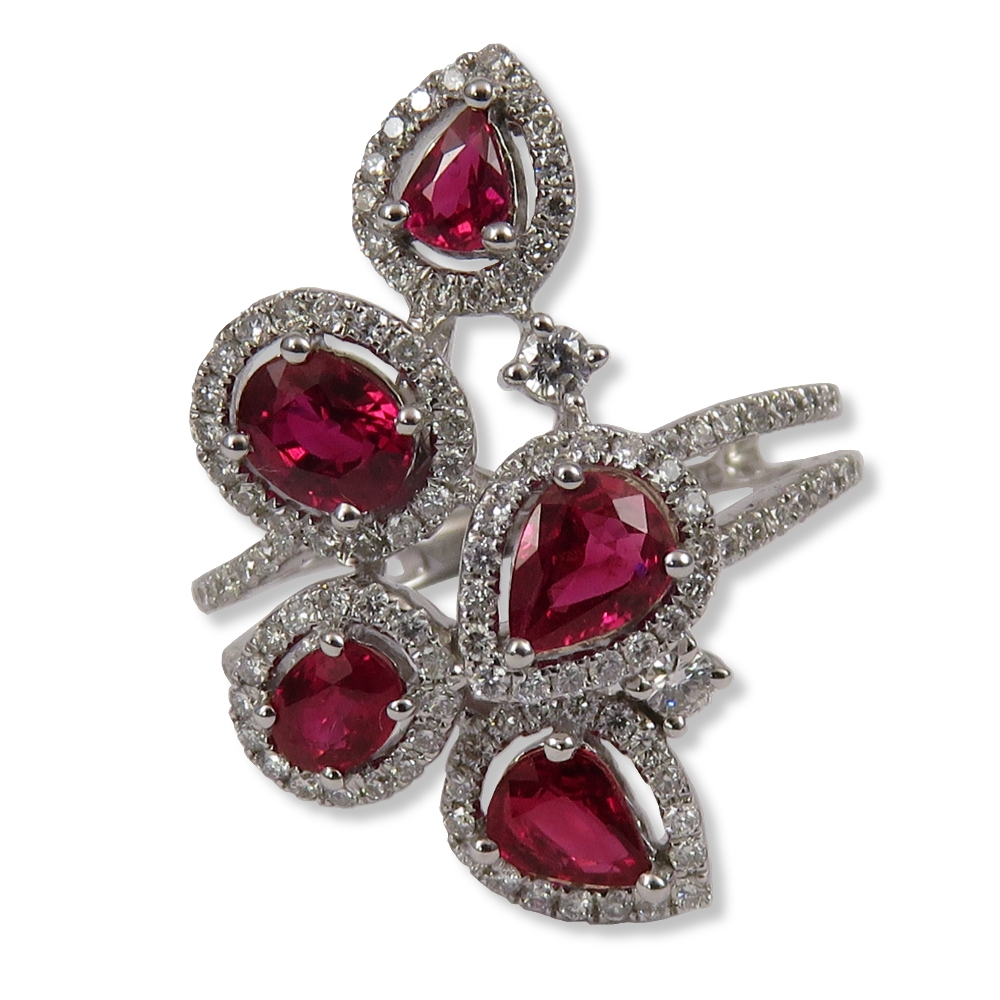Ruby and diamond ladies fashion ring in white gold. DiaExpressions
