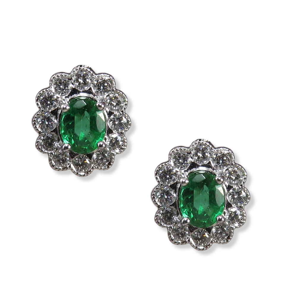 Emerald earrings with diamonds in white gold. Empire Corporation 2023424