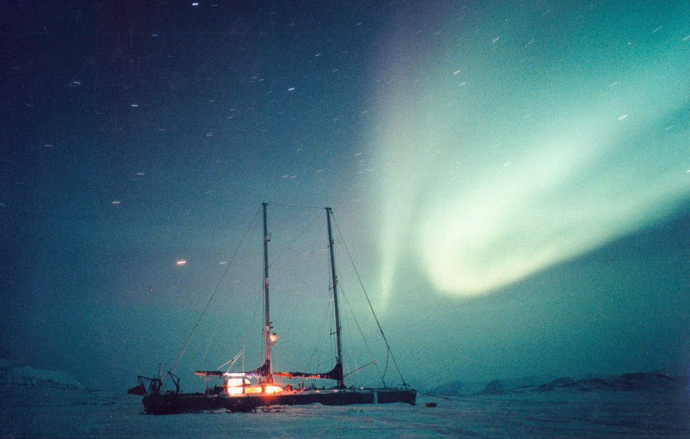 The UAP ship under the Southern Lights. Photo: Francis Latreille