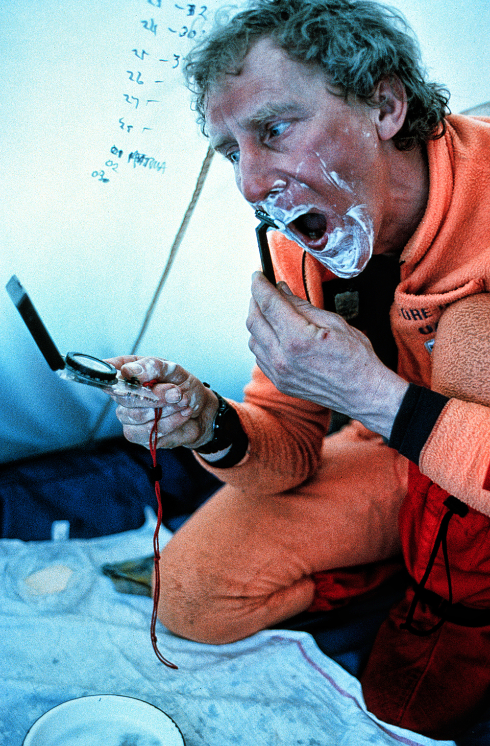 Shaving at -40. ©Trans-Antarctica photo by Per Breiehagen