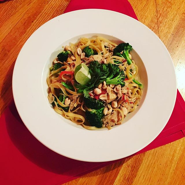 Pasta Special: Fettuccine with chicken, broccoli, pickled enoki mushrooms, roasted red pepper, coconut curry cream sauce, peanut, cilantro and lime #pastaspecial #fettuccine #coconutcurry #fireflygrillenashville #nashville #nashvillerestaurants #greenhills #locallyowned