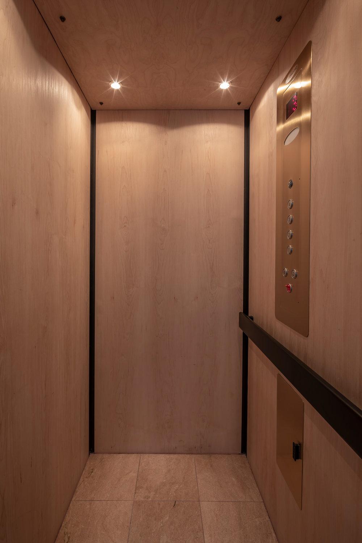 Elevator_8968.jpg
