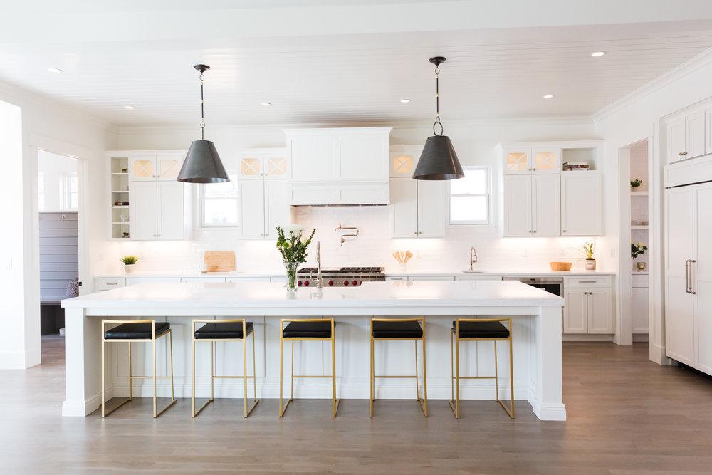 525 kitchen.jpg