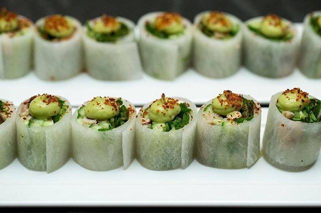 (end of summer) Spring rolls 🌱 • • 📸: @alyssaringler  #kholrabi #keto #veggies #eeeeeats #privatechef #privatedining #chefsofinstagram #cheflife #huffposttaste #f52grams #eatmunchies #buzzfeast #instafood #foodvood #forkyeah #food #foodie #foodgasm #eater #foodandwine #foodporn #tastingtable