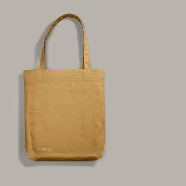 tote.bag.classique  fait de coton 12 oz, il est plus résistant et maintenant disponible en 7 couleurs.  Lien dans la bio