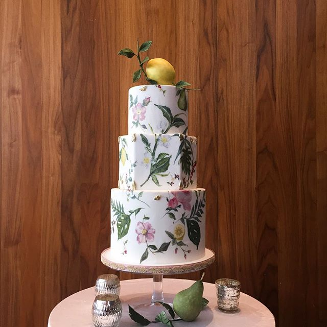 love this beautiful #weddingcake by @nadiaandco with sculpted fruit.  perfect ode to summer that's finally here 🍋🍐🌼 #jesseandmichelleforever #weddingcakeinspiration #torontowedding #torontoplanner #weddinginspiration #yummy #cakeartist #torontocake