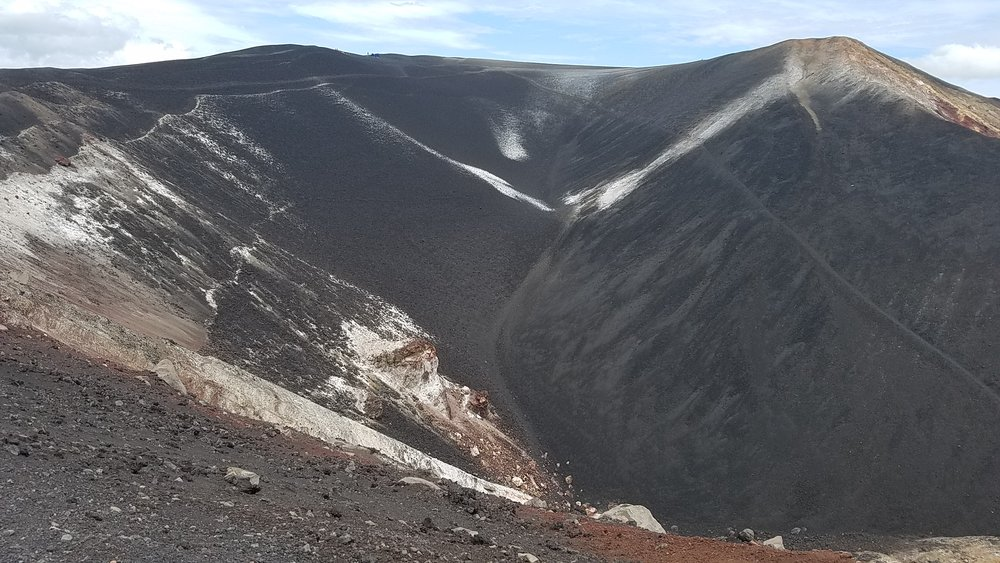 Although quite breezy the higher up we ascended, you could feel the heat coming from the ground. This picture really does not capture the real beauty of Cerro Negro.