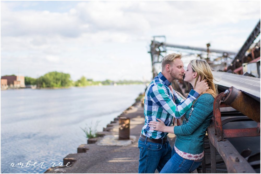 AmberRaePhoto_Engagement_Minneapolis_MN_0005.jpg
