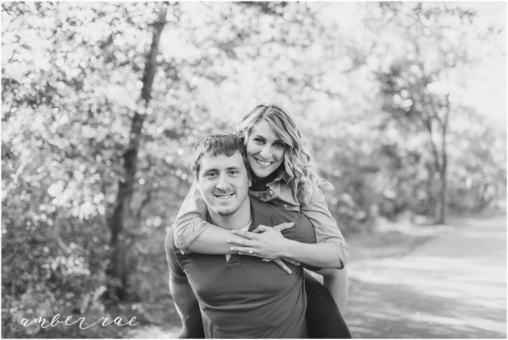 AmberRaePhoto_Engagement_CoonRapids_MN_0005.jpg