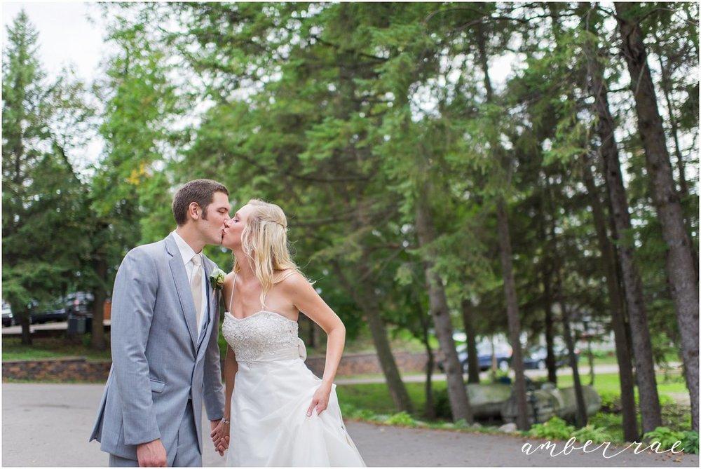 AmberRaePhoto_Wedding_Bug_Bee_Hive_Resort_MN_0051.jpg