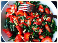Christmas kale with strawberries