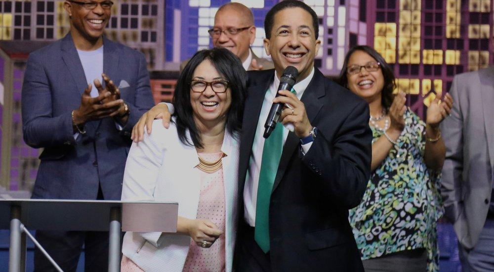 Pastores Victor & Hattie Tiburcio