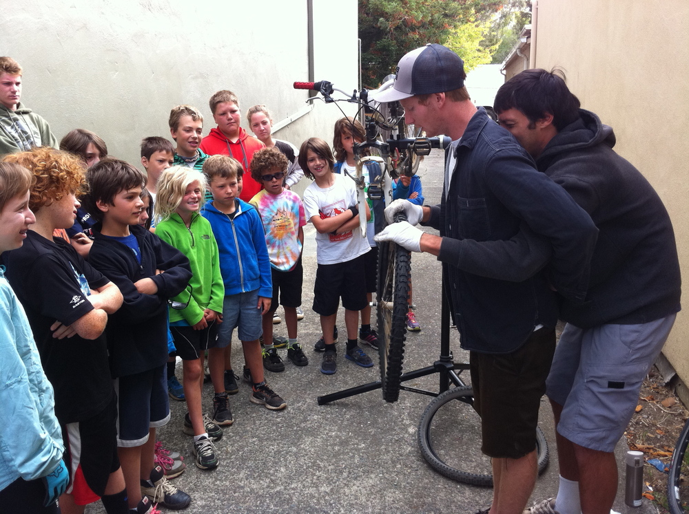 Mt Tam Bikes Campers learning how to change flat tires in Mill Valley