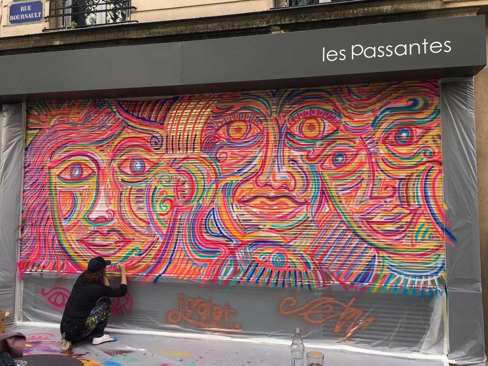 Valerie_Paumelle_agent_Julien_Calot_live_painting_Sophie_Brandstrom_photographe_Les_Passantes_Paris (2).JPG