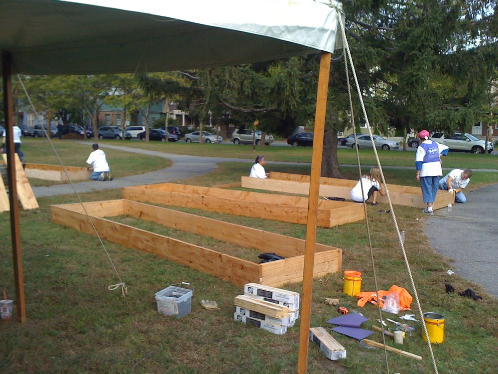 Park View Bed Building Day 2011