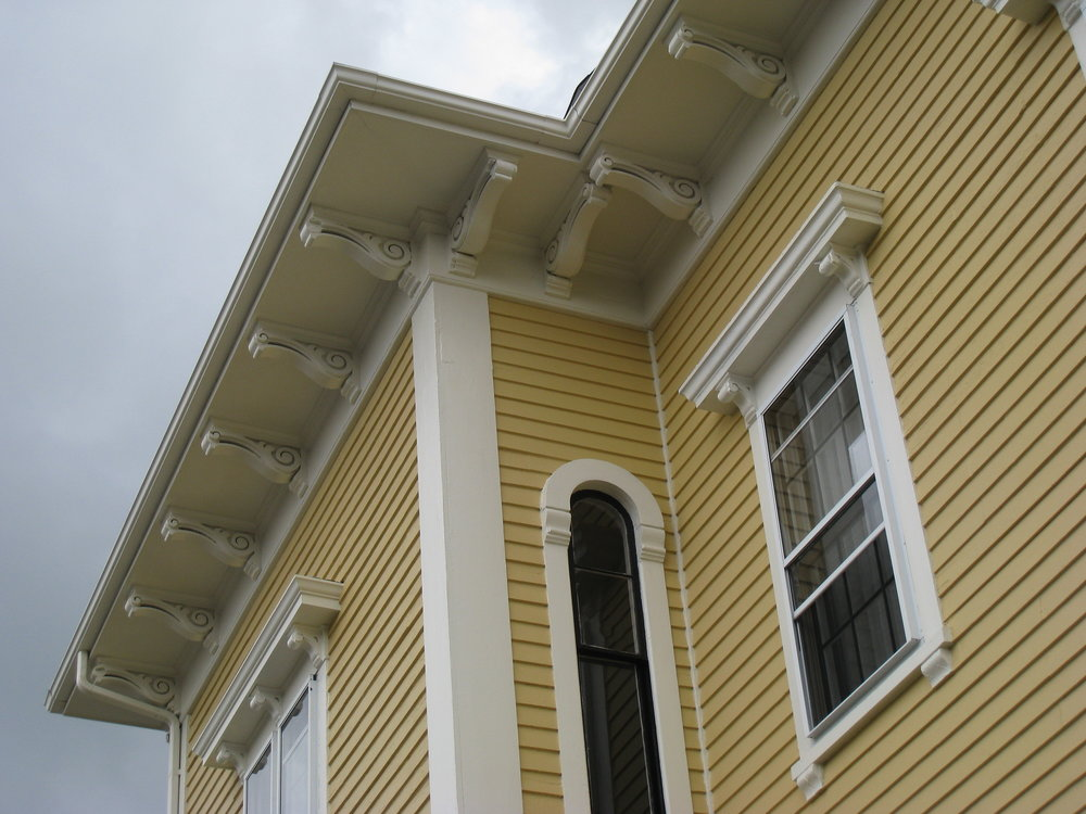 Restored cornice and roof, 2003  Photo credit: Clark Schoettle, Providence Revolving Fund