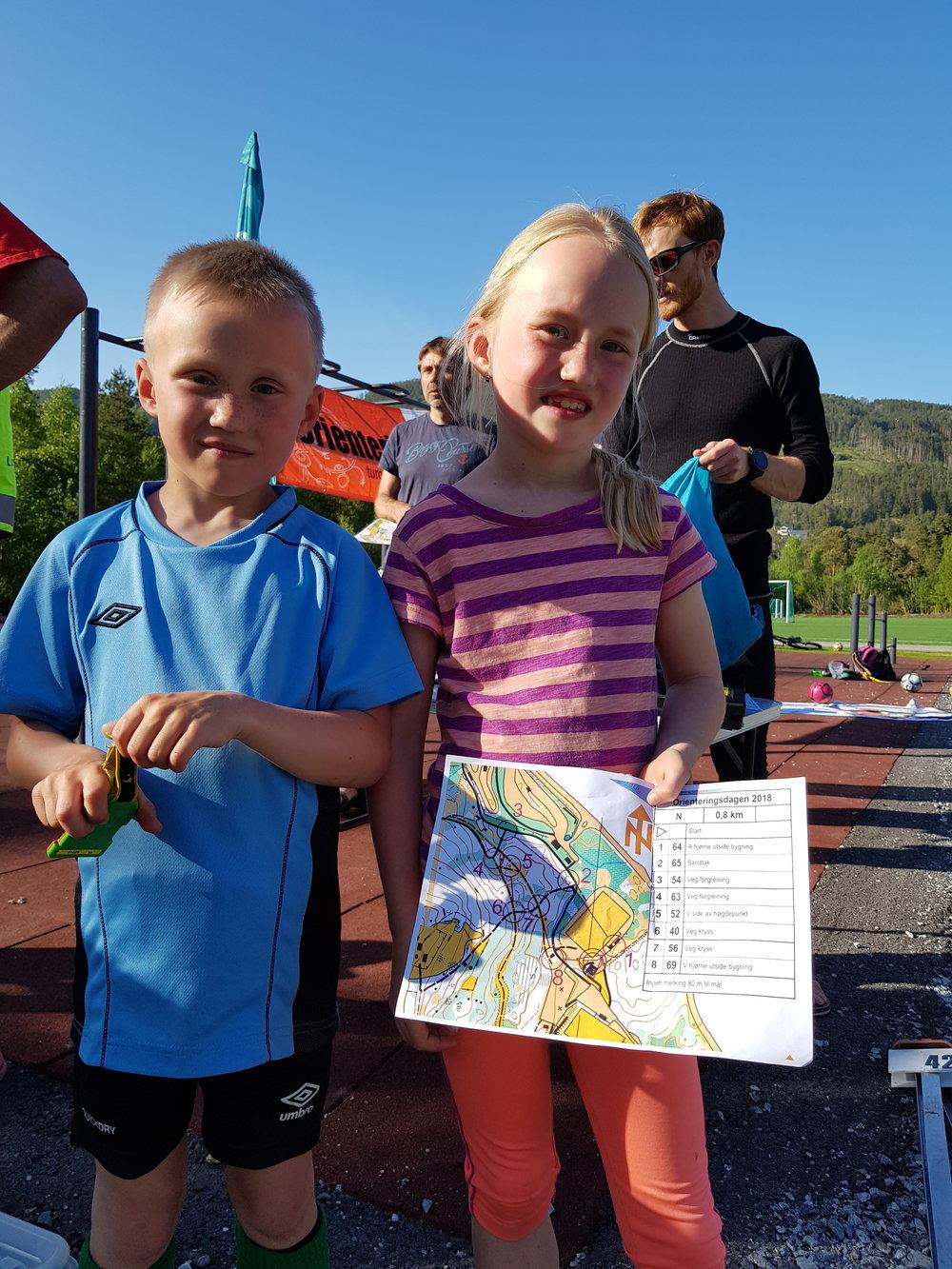 Søskena Jonas og Jenny fann fram i nybyrjarløypa og deltok også på fleire andre aktivitetar