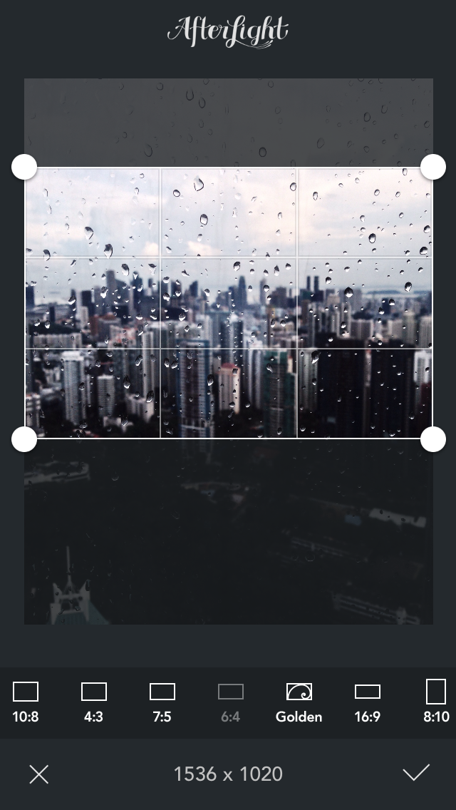 Afterlight: Cropping an image
