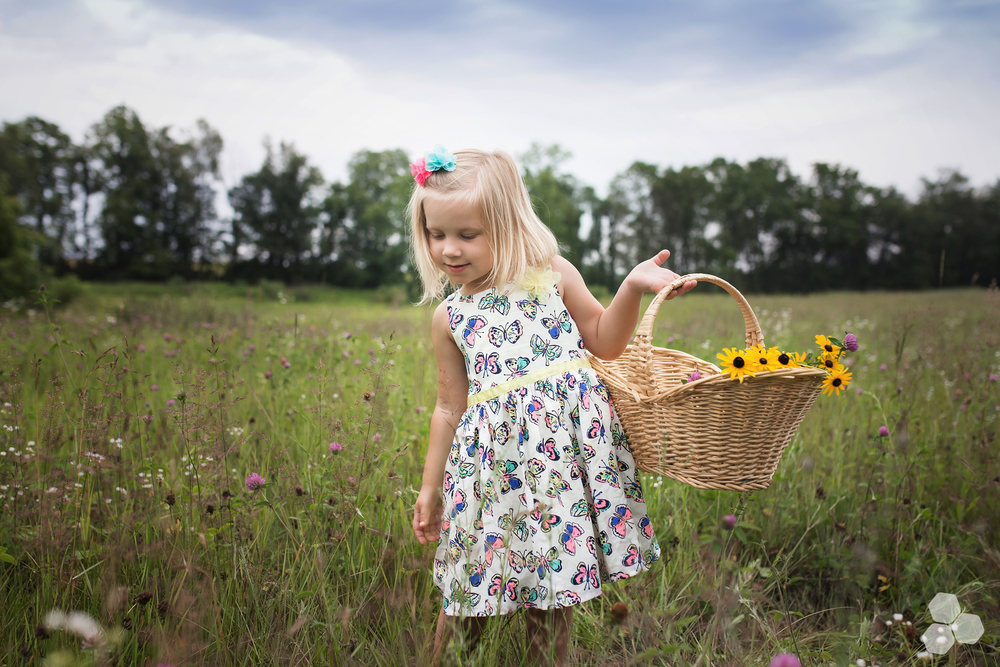 Big sister Kennedy wildflower picking <3