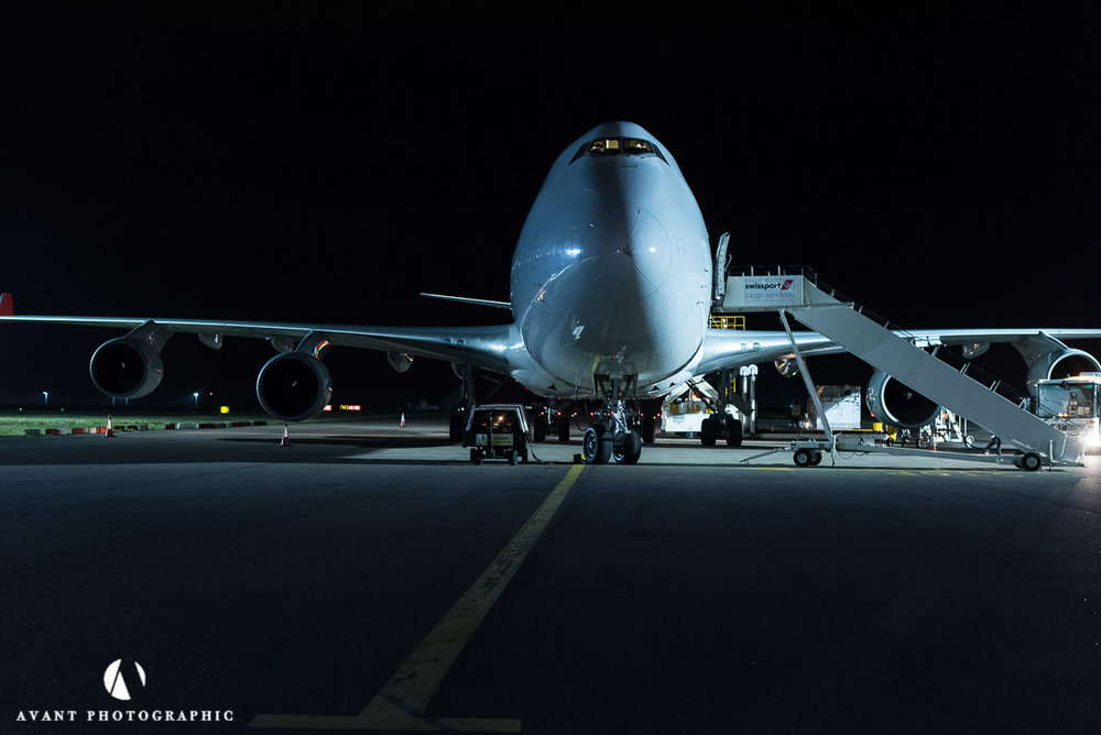 Boeing 747C being loaded