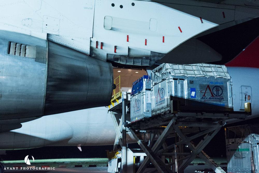 Side door loading Boeing 747C