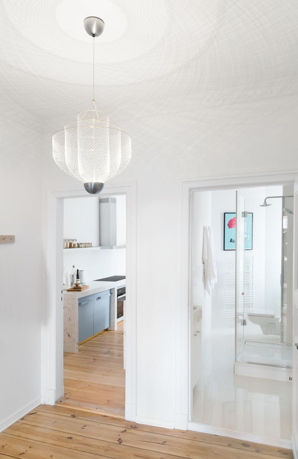 02-White_Arrow-Paul-Lincke-Ufer-Apartment.jpg