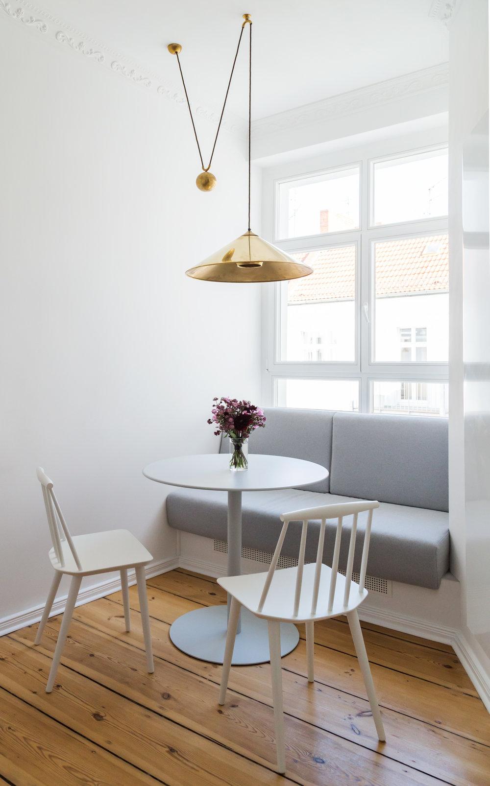 06-White_Arrow-Paul-Lincke-Ufer-Apartment.jpg