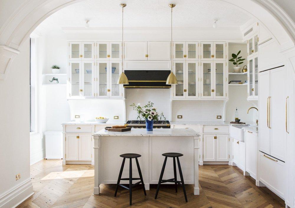 WHITE ARROW   Interiors