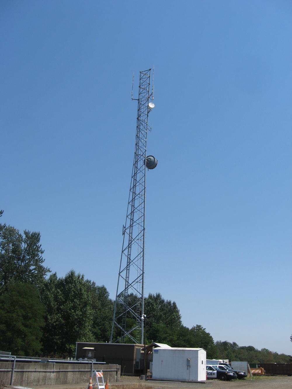 2081094 Motorola Tower.JPG