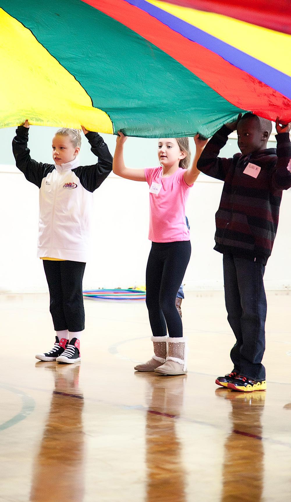 10 24 14 parachute pic 3 kids.jpg