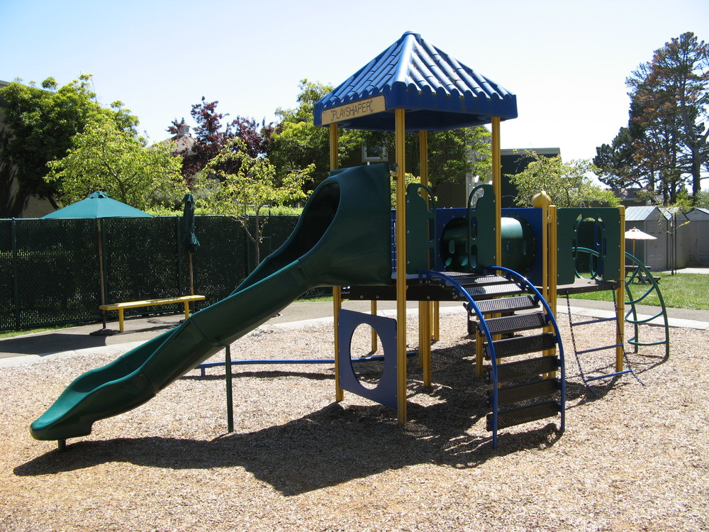 Playstructure wide.jpg
