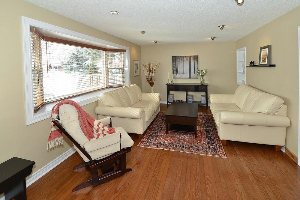 livingroom1_1200.jpg