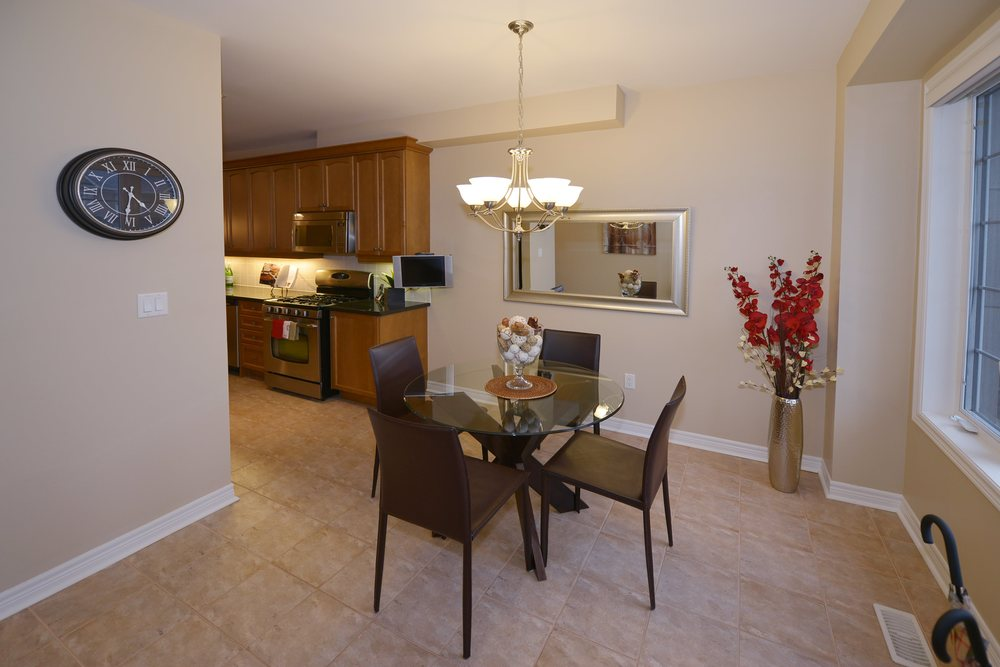 3240_epworth_cres_MLS2084916_HID924933_ROOMbreakfastnook1.jpg